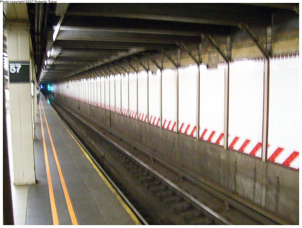 (234k, 1044x788)<br><b>Country:</b> United States<br><b>City:</b> New York<br><b>System:</b> New York City Transit<br><b>Line:</b> BMT Broadway Line<br><b>Location:</b> 57th Street <br><b>Photo by:</b> Roberto C. Tobar<br><b>Date:</b> 7/7/2007<br><b>Notes:</b> Platform view.<br><b>Viewed (this week/total):</b> 1 / 2021