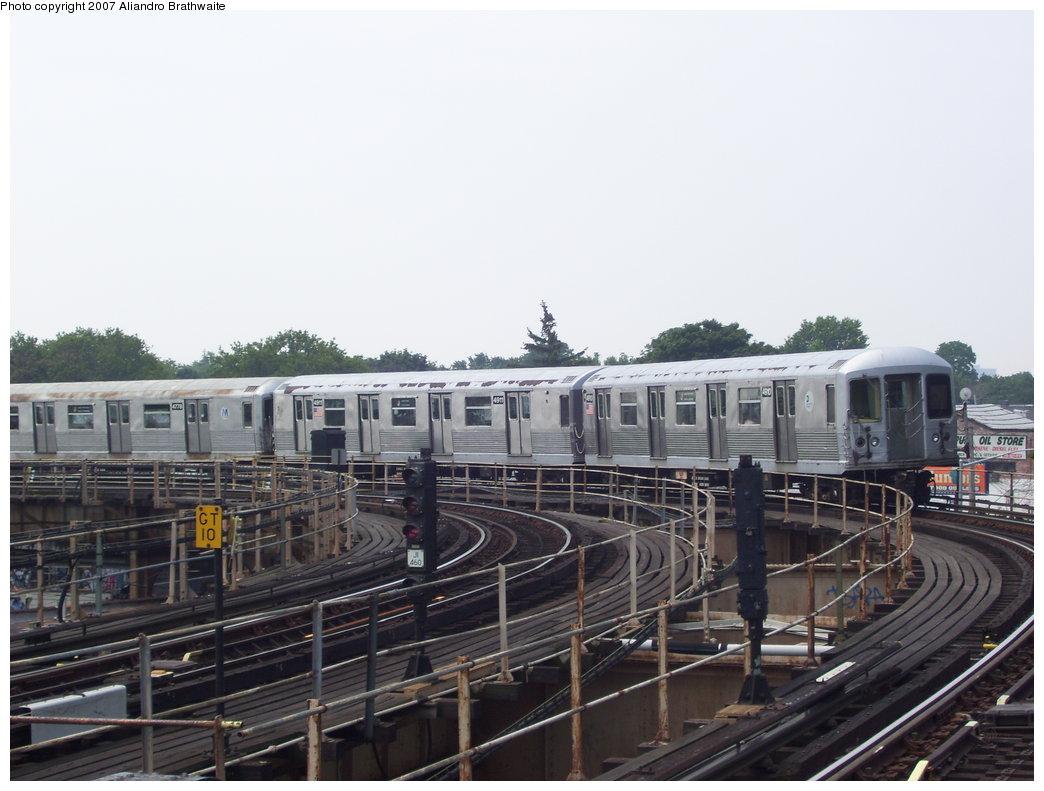(163k, 1044x791)<br><b>Country:</b> United States<br><b>City:</b> New York<br><b>System:</b> New York City Transit<br><b>Line:</b> BMT Nassau Street/Jamaica Line<br><b>Location:</b> Cypress Hills <br><b>Route:</b> J<br><b>Car:</b> R-42 (St. Louis, 1969-1970)  4810 <br><b>Photo by:</b> Aliandro Brathwaite<br><b>Date:</b> 6/28/2007<br><b>Viewed (this week/total):</b> 0 / 2155