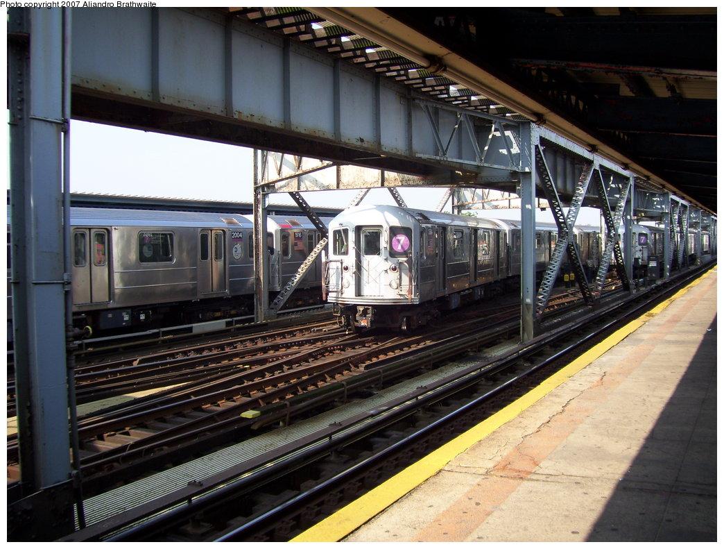 (216k, 1044x791)<br><b>Country:</b> United States<br><b>City:</b> New York<br><b>System:</b> New York City Transit<br><b>Line:</b> IRT Flushing Line<br><b>Location:</b> 111th Street <br><b>Route:</b> 7<br><b>Car:</b> R-62A (Bombardier, 1984-1987)  2004/1976/2155 <br><b>Photo by:</b> Aliandro Brathwaite<br><b>Date:</b> 6/28/2007<br><b>Viewed (this week/total):</b> 0 / 3068