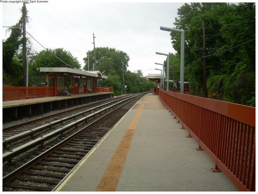 (219k, 1044x788)<br><b>Country:</b> United States<br><b>City:</b> New York<br><b>System:</b> New York City Transit<br><b>Line:</b> SIRT<br><b>Location:</b> Old Town <br><b>Photo by:</b> Zach Summer<br><b>Date:</b> 7/4/2007<br><b>Notes:</b> Station view.<br><b>Viewed (this week/total):</b> 0 / 1885