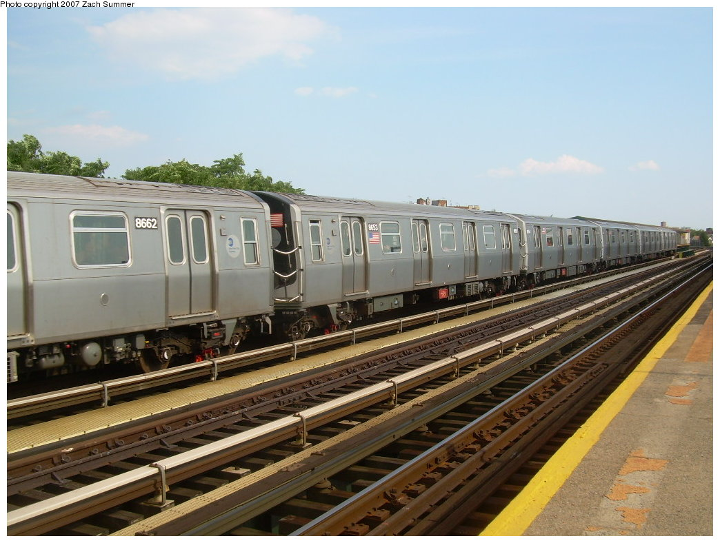 (209k, 1044x788)<br><b>Country:</b> United States<br><b>City:</b> New York<br><b>System:</b> New York City Transit<br><b>Line:</b> BMT West End Line<br><b>Location:</b> 18th Avenue <br><b>Route:</b> N<br><b>Car:</b> R-160A-2 (Alstom, 2005-2008, 5 car sets)  8662 <br><b>Photo by:</b> Zach Summer<br><b>Date:</b> 7/7/2007<br><b>Notes:</b> N reroute over West End.<br><b>Viewed (this week/total):</b> 0 / 1796