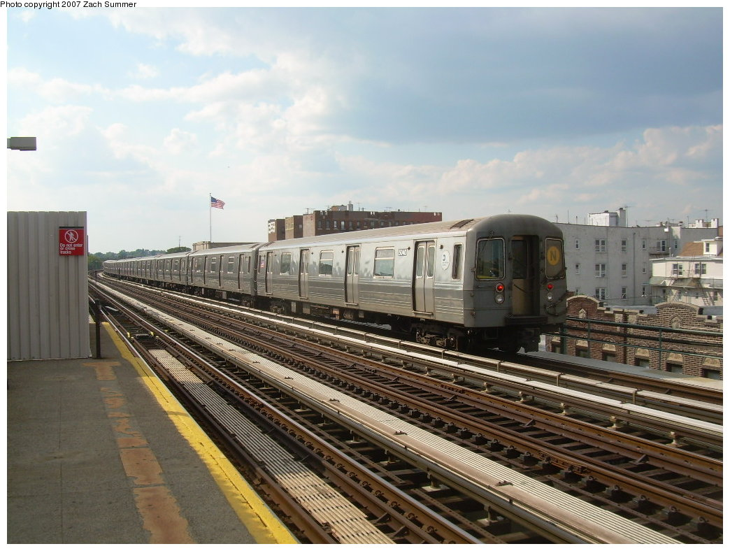 (215k, 1044x788)<br><b>Country:</b> United States<br><b>City:</b> New York<br><b>System:</b> New York City Transit<br><b>Line:</b> BMT West End Line<br><b>Location:</b> 20th Avenue <br><b>Route:</b> N<br><b>Car:</b> R-68A (Kawasaki, 1988-1989)  5040 <br><b>Photo by:</b> Zach Summer<br><b>Date:</b> 7/7/2007<br><b>Notes:</b> N reroute over West End.<br><b>Viewed (this week/total):</b> 0 / 1881