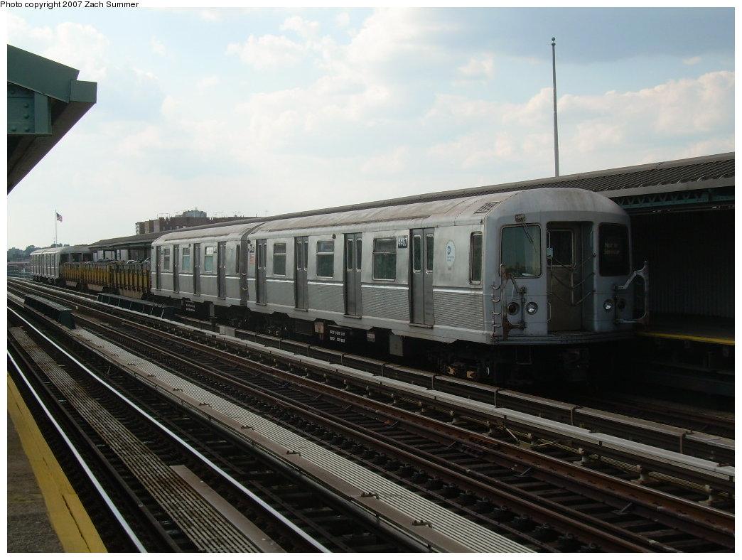 (190k, 1044x788)<br><b>Country:</b> United States<br><b>City:</b> New York<br><b>System:</b> New York City Transit<br><b>Line:</b> BMT West End Line<br><b>Location:</b> 20th Avenue <br><b>Route:</b> Work Service<br><b>Car:</b> R-40M (St. Louis, 1969)  4467 <br><b>Photo by:</b> Zach Summer<br><b>Date:</b> 7/7/2007<br><b>Notes:</b> Garbage train.<br><b>Viewed (this week/total):</b> 0 / 1799