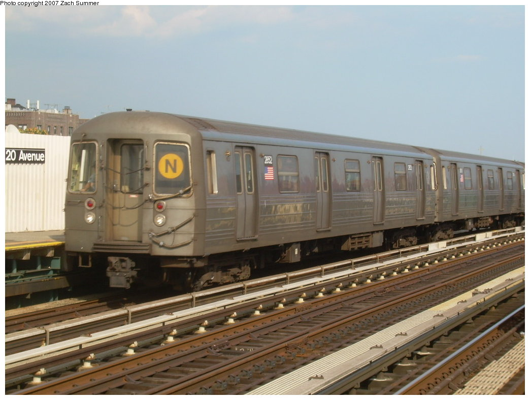 (184k, 1044x788)<br><b>Country:</b> United States<br><b>City:</b> New York<br><b>System:</b> New York City Transit<br><b>Line:</b> BMT West End Line<br><b>Location:</b> 20th Avenue <br><b>Route:</b> N<br><b>Car:</b> R-68 (Westinghouse-Amrail, 1986-1988)  2852 <br><b>Photo by:</b> Zach Summer<br><b>Date:</b> 7/7/2007<br><b>Notes:</b> N reroute over West End.<br><b>Viewed (this week/total):</b> 4 / 1627