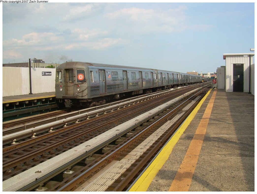 (229k, 1044x788)<br><b>Country:</b> United States<br><b>City:</b> New York<br><b>System:</b> New York City Transit<br><b>Line:</b> BMT West End Line<br><b>Location:</b> 20th Avenue <br><b>Route:</b> D<br><b>Car:</b> R-68 (Westinghouse-Amrail, 1986-1988)  2754 <br><b>Photo by:</b> Zach Summer<br><b>Date:</b> 7/7/2007<br><b>Viewed (this week/total):</b> 2 / 1636