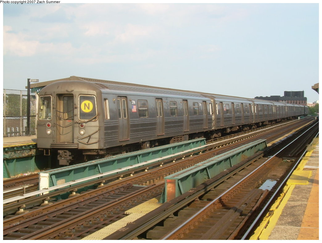(210k, 1044x788)<br><b>Country:</b> United States<br><b>City:</b> New York<br><b>System:</b> New York City Transit<br><b>Line:</b> BMT West End Line<br><b>Location:</b> 25th Avenue <br><b>Route:</b> N<br><b>Car:</b> R-68 (Westinghouse-Amrail, 1986-1988)  2796 <br><b>Photo by:</b> Zach Summer<br><b>Date:</b> 7/7/2007<br><b>Notes:</b> N reroute over West End.<br><b>Viewed (this week/total):</b> 3 / 1864