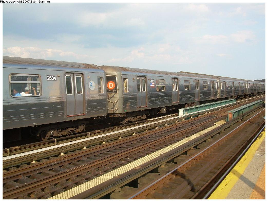 (209k, 1044x788)<br><b>Country:</b> United States<br><b>City:</b> New York<br><b>System:</b> New York City Transit<br><b>Line:</b> BMT West End Line<br><b>Location:</b> 25th Avenue <br><b>Route:</b> D<br><b>Car:</b> R-68 (Westinghouse-Amrail, 1986-1988)  2684 <br><b>Photo by:</b> Zach Summer<br><b>Date:</b> 7/7/2007<br><b>Viewed (this week/total):</b> 0 / 1812