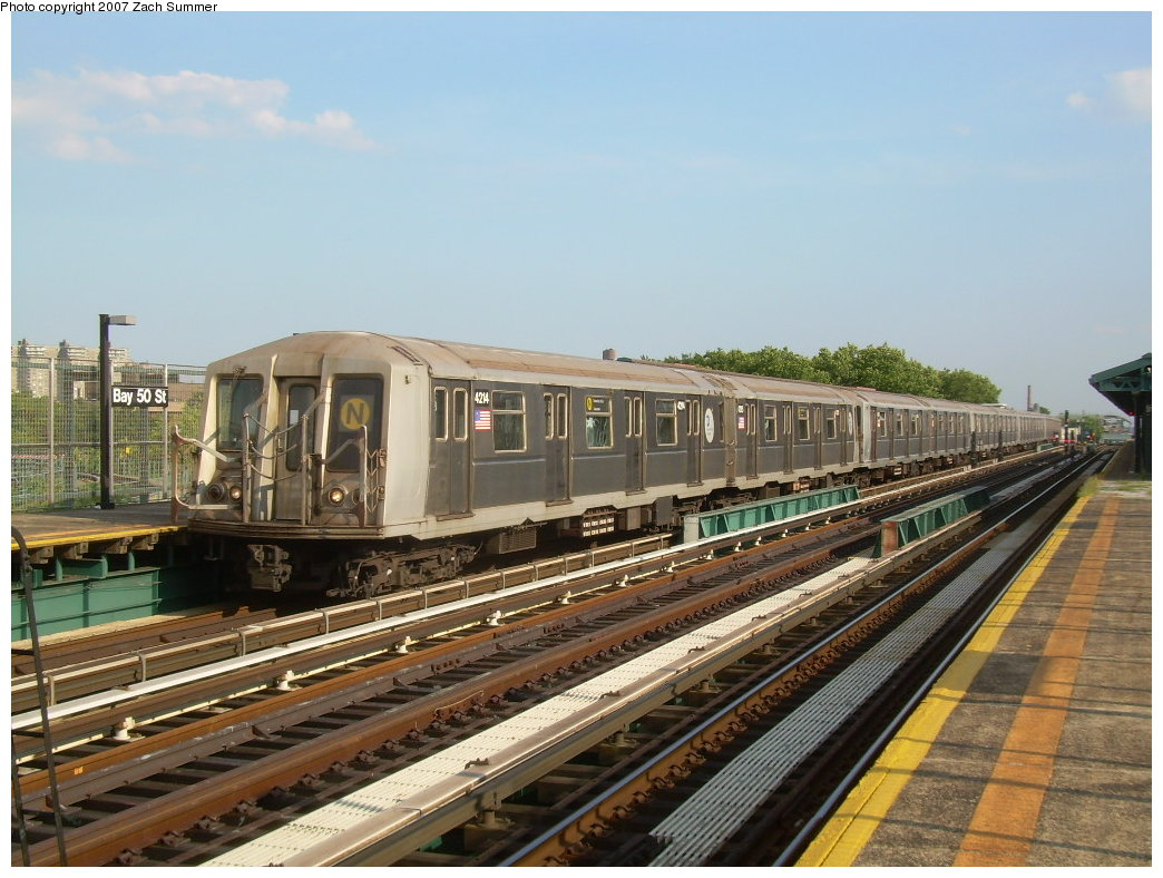 (215k, 1044x788)<br><b>Country:</b> United States<br><b>City:</b> New York<br><b>System:</b> New York City Transit<br><b>Line:</b> BMT West End Line<br><b>Location:</b> Bay 50th Street <br><b>Route:</b> N<br><b>Car:</b> R-40 (St. Louis, 1968)  4214 <br><b>Photo by:</b> Zach Summer<br><b>Date:</b> 7/7/2007<br><b>Notes:</b> N reroute over West End.<br><b>Viewed (this week/total):</b> 0 / 1849