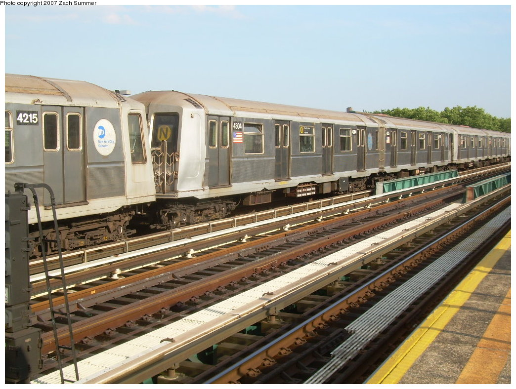 (237k, 1044x788)<br><b>Country:</b> United States<br><b>City:</b> New York<br><b>System:</b> New York City Transit<br><b>Line:</b> BMT West End Line<br><b>Location:</b> Bay 50th Street <br><b>Route:</b> N<br><b>Car:</b> R-40 (St. Louis, 1968)  4304 <br><b>Photo by:</b> Zach Summer<br><b>Date:</b> 7/7/2007<br><b>Notes:</b> N reroute over West End.<br><b>Viewed (this week/total):</b> 2 / 2511
