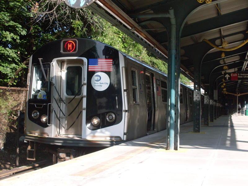 (89k, 800x600)<br><b>Country:</b> United States<br><b>City:</b> New York<br><b>System:</b> New York City Transit<br><b>Line:</b> BMT West End Line<br><b>Location:</b> 9th Avenue <br><b>Route:</b> M<br><b>Car:</b> R-160A-1 (Alstom, 2005-2008, 4 car sets)  8641 <br><b>Photo by:</b> Anthony Modesto<br><b>Date:</b> 6/25/2010<br><b>Viewed (this week/total):</b> 0 / 1076