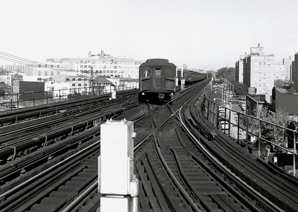 (199k, 1024x728)<br><b>Country:</b> United States<br><b>City:</b> New York<br><b>System:</b> New York City Transit<br><b>Line:</b> BMT West End Line<br><b>Location:</b> Bay 50th Street <br><b>Car:</b> BMT A/B-Type Standard  <br><b>Collection of:</b> George Conrad Collection<br><b>Date:</b> 11/15/1962<br><b>Notes:</b> CI Yard lead at right.<br><b>Viewed (this week/total):</b> 0 / 1744