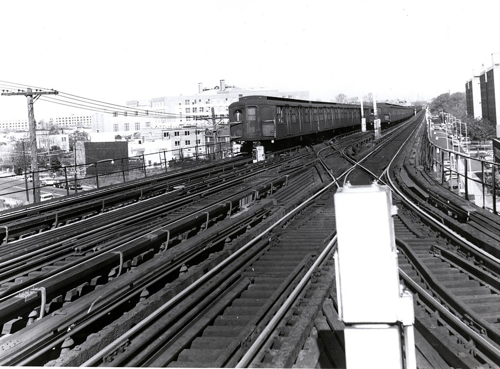 (223k, 1024x756)<br><b>Country:</b> United States<br><b>City:</b> New York<br><b>System:</b> New York City Transit<br><b>Line:</b> BMT West End Line<br><b>Location:</b> Bay 50th Street <br><b>Car:</b> BMT A/B-Type Standard  <br><b>Collection of:</b> George Conrad Collection<br><b>Date:</b> 11/15/1962<br><b>Notes:</b> CI Yard lead at right.<br><b>Viewed (this week/total):</b> 0 / 1545