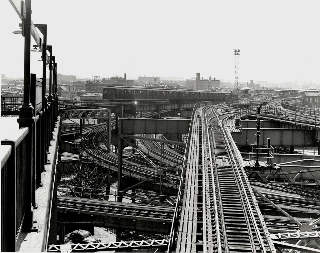 (250k, 1024x812)<br><b>Country:</b> United States<br><b>City:</b> New York<br><b>System:</b> New York City Transit<br><b>Line:</b> BMT Canarsie Line<br><b>Location:</b> Broadway Junction <br><b>Car:</b> BMT A/B-Type Standard  <br><b>Collection of:</b> George Conrad Collection<br><b>Date:</b> 4/21/1956<br><b>Viewed (this week/total):</b> 0 / 3513