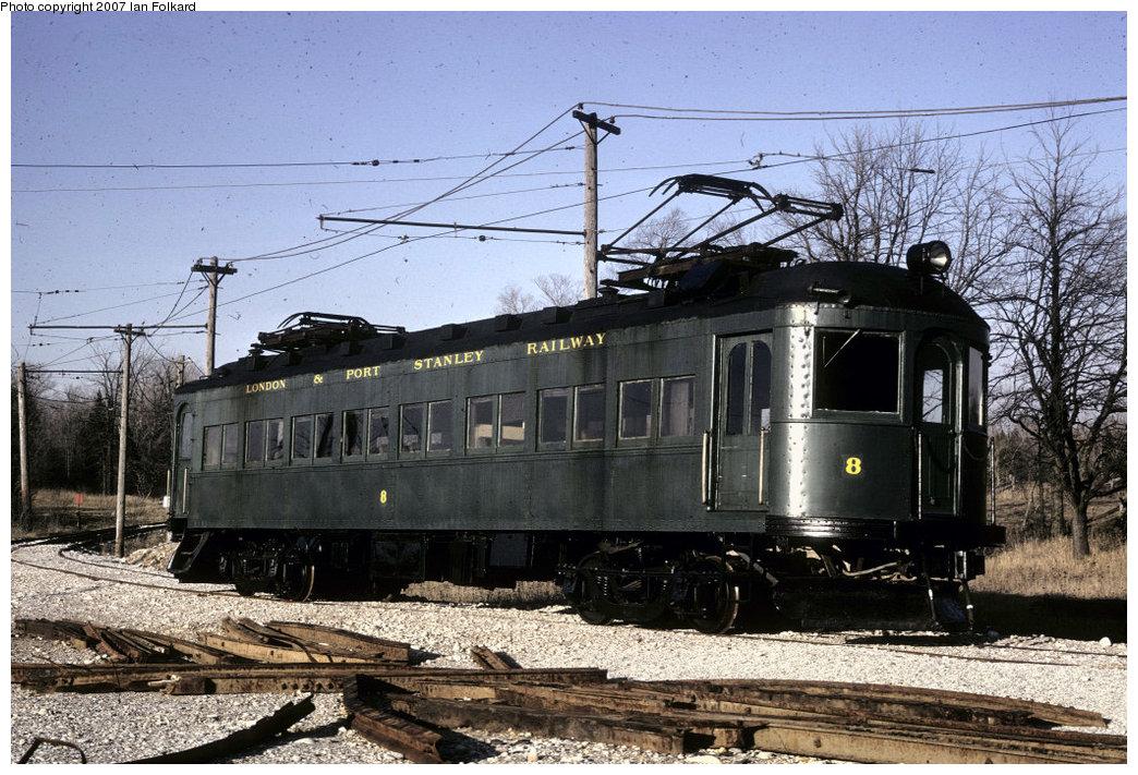 (256k, 1044x711)<br><b>Country:</b> Canada<br><b>City:</b> Toronto<br><b>System:</b> Halton County Radial Railway <br><b>Car:</b>  8 <br><b>Photo by:</b> Ian Folkard<br><b>Date:</b> 5/1973<br><b>Notes:</b> London & Port Stanley #8 at the west end.<br><b>Viewed (this week/total):</b> 0 / 1062