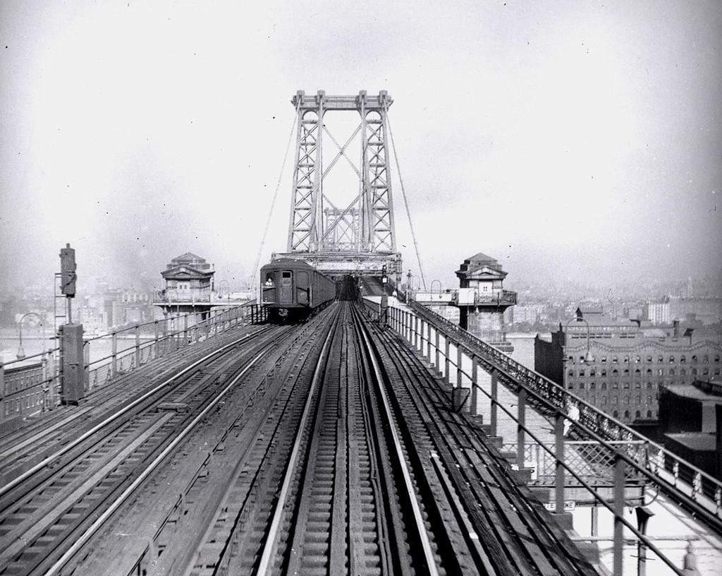 (234k, 1024x816)<br><b>Country:</b> United States<br><b>City:</b> New York<br><b>System:</b> New York City Transit<br><b>Line:</b> BMT Nassau Street/Jamaica Line<br><b>Location:</b> Williamsburg Bridge<br><b>Car:</b> BMT A/B-Type Standard  <br><b>Collection of:</b> George Conrad Collection<br><b>Date:</b> 8/8/1949<br><b>Viewed (this week/total):</b> 0 / 2023