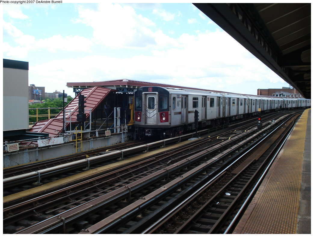 (197k, 1044x788)<br><b>Country:</b> United States<br><b>City:</b> New York<br><b>System:</b> New York City Transit<br><b>Line:</b> IRT White Plains Road Line<br><b>Location:</b> West Farms Sq./East Tremont Ave./177th St. <br><b>Route:</b> 2<br><b>Car:</b> R-142 (Primary Order, Bombardier, 1999-2002)  6516 <br><b>Photo by:</b> DeAndre Burrell<br><b>Date:</b> 6/23/2007<br><b>Viewed (this week/total):</b> 0 / 2507