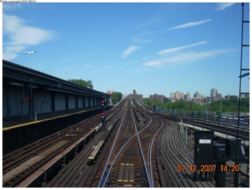 (181k, 1044x788)<br><b>Country:</b> United States<br><b>City:</b> New York<br><b>System:</b> New York City Transit<br><b>Line:</b> IRT Flushing Line<br><b>Location:</b> Willets Point/Mets (fmr. Shea Stadium) <br><b>Photo by:</b> Bill E.<br><b>Date:</b> 7/12/2007<br><b>Viewed (this week/total):</b> 0 / 1905