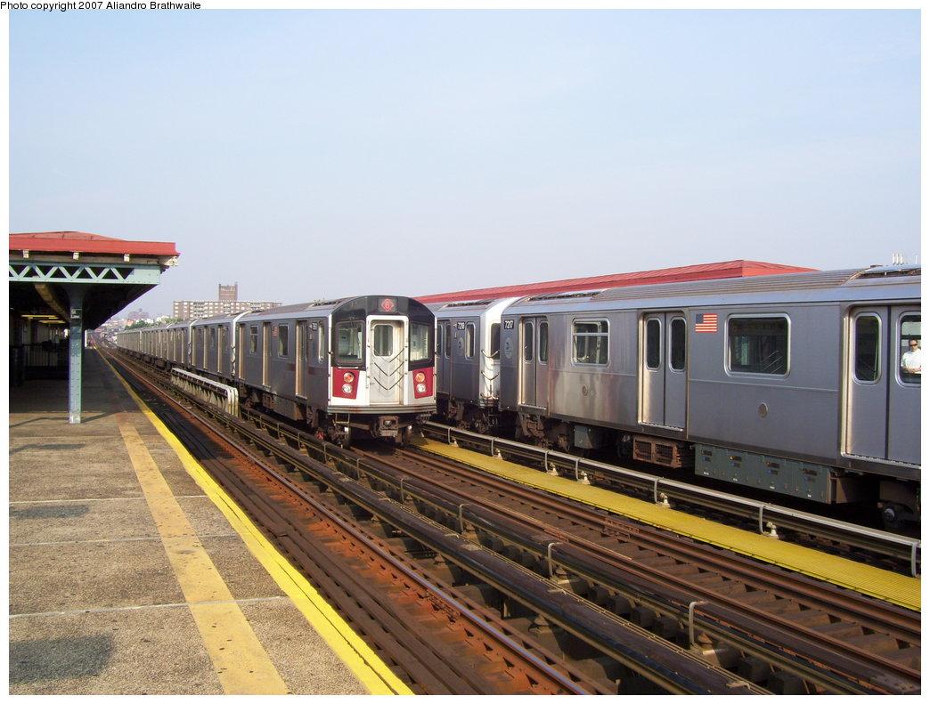 (181k, 1044x791)<br><b>Country:</b> United States<br><b>City:</b> New York<br><b>System:</b> New York City Transit<br><b>Line:</b> IRT Pelham Line<br><b>Location:</b> St. Lawrence Avenue <br><b>Route:</b> 6<br><b>Car:</b> R-142A (Primary Order, Kawasaki, 1999-2002)  7217 <br><b>Photo by:</b> Aliandro Brathwaite<br><b>Date:</b> 7/9/2007<br><b>Viewed (this week/total):</b> 0 / 2809