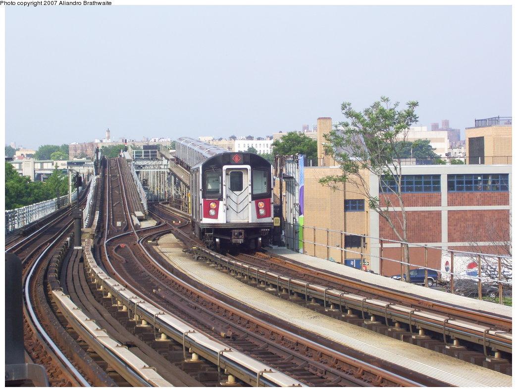 (211k, 1044x791)<br><b>Country:</b> United States<br><b>City:</b> New York<br><b>System:</b> New York City Transit<br><b>Line:</b> IRT Pelham Line<br><b>Location:</b> Middletown Road <br><b>Route:</b> 6<br><b>Car:</b> R-142A (Primary Order, Kawasaki, 1999-2002)  7286 <br><b>Photo by:</b> Aliandro Brathwaite<br><b>Date:</b> 7/9/2007<br><b>Viewed (this week/total):</b> 0 / 3429