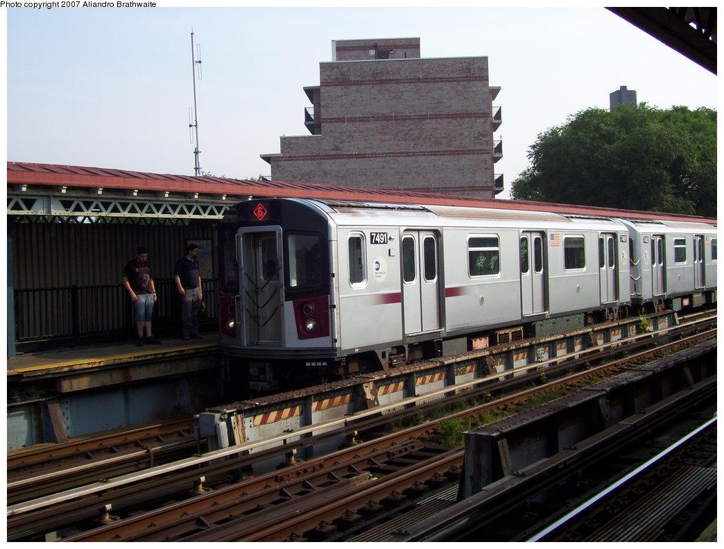 (191k, 1044x791)<br><b>Country:</b> United States<br><b>City:</b> New York<br><b>System:</b> New York City Transit<br><b>Line:</b> IRT Pelham Line<br><b>Location:</b> Middletown Road <br><b>Route:</b> 6<br><b>Car:</b> R-142A (Primary Order, Kawasaki, 1999-2002)  7491 <br><b>Photo by:</b> Aliandro Brathwaite<br><b>Date:</b> 7/9/2007<br><b>Viewed (this week/total):</b> 0 / 2371