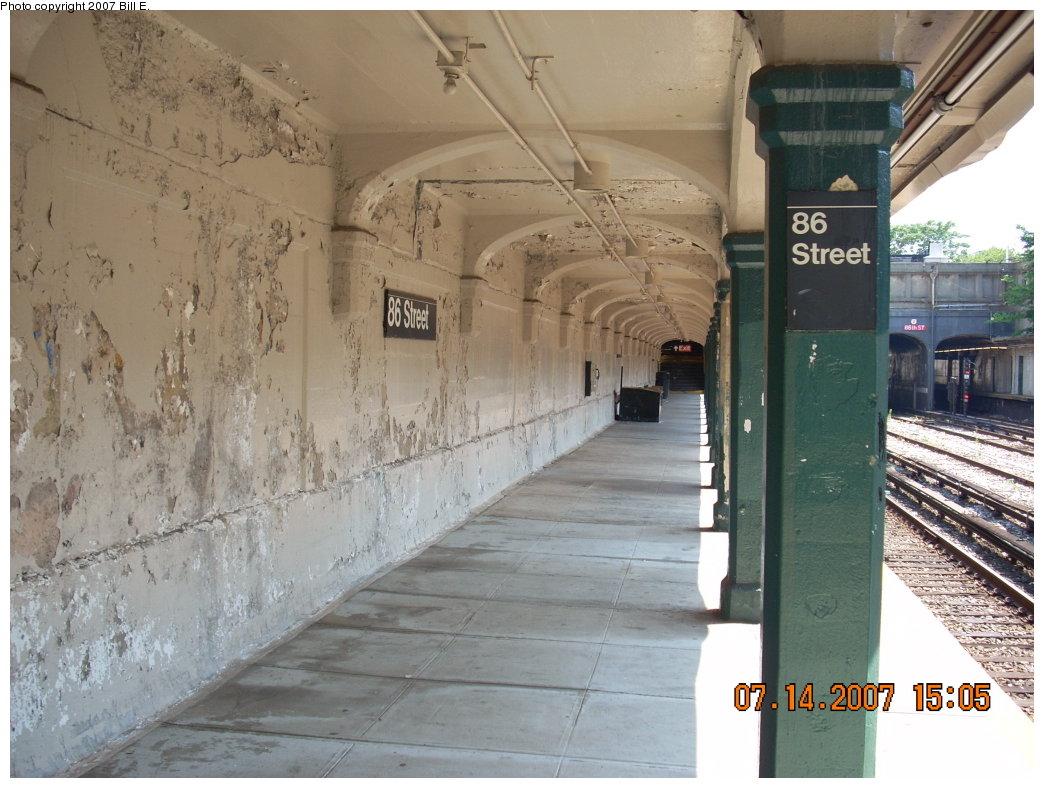 (202k, 1044x788)<br><b>Country:</b> United States<br><b>City:</b> New York<br><b>System:</b> New York City Transit<br><b>Line:</b> BMT Sea Beach Line<br><b>Location:</b> 86th Street <br><b>Photo by:</b> Bill E.<br><b>Date:</b> 7/14/2007<br><b>Viewed (this week/total):</b> 0 / 1507