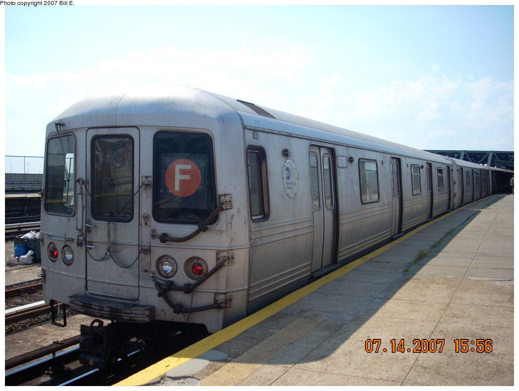 (167k, 1044x788)<br><b>Country:</b> United States<br><b>City:</b> New York<br><b>System:</b> New York City Transit<br><b>Line:</b> IND Crosstown Line<br><b>Location:</b> Smith/9th Street <br><b>Route:</b> F<br><b>Car:</b> R-46 (Pullman-Standard, 1974-75) 6176 <br><b>Photo by:</b> Bill E.<br><b>Date:</b> 7/14/2007<br><b>Viewed (this week/total):</b> 0 / 1908
