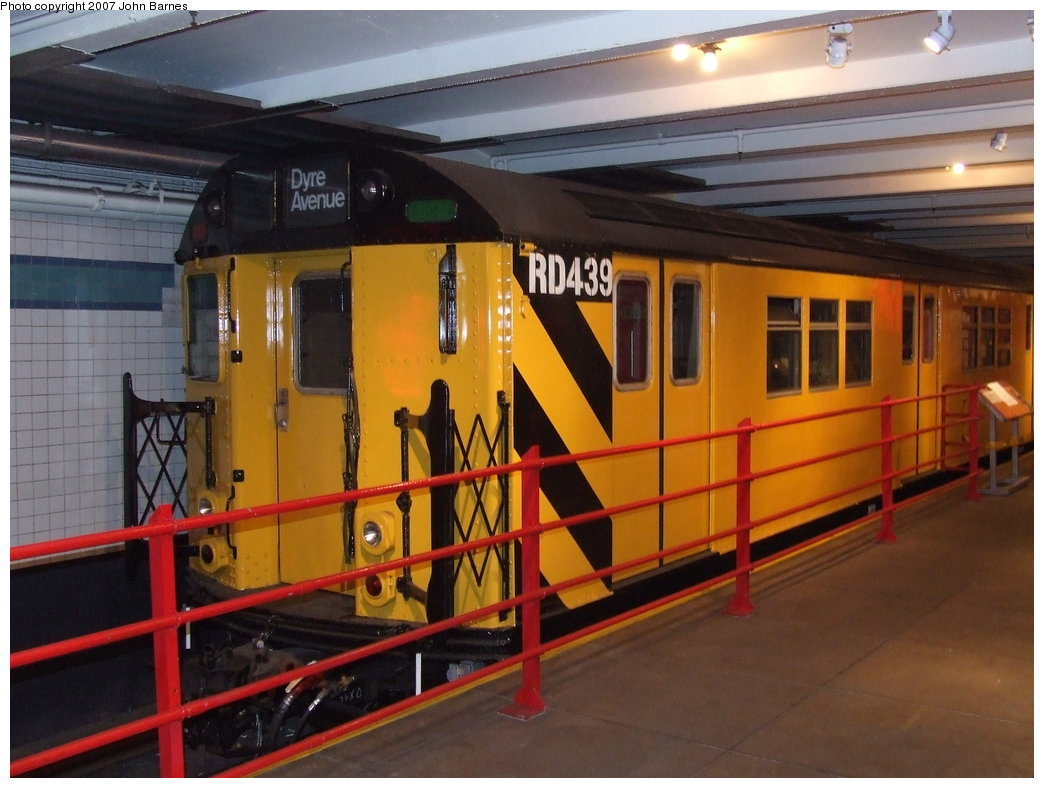 (166k, 1044x788)<br><b>Country:</b> United States<br><b>City:</b> New York<br><b>System:</b> New York City Transit<br><b>Location:</b> New York Transit Museum<br><b>Car:</b> R-161 Rider Car (ex-R-33)  RD439 (ex-8915)<br><b>Photo by:</b> John Barnes<br><b>Date:</b> 7/19/2007<br><b>Notes:</b> One of the newest rider cars converted under contract R-161.<br><b>Viewed (this week/total):</b> 1 / 3308