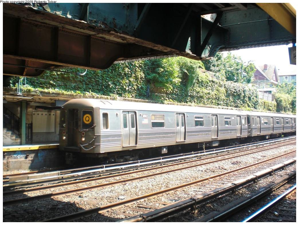 (324k, 1044x788)<br><b>Country:</b> United States<br><b>City:</b> New York<br><b>System:</b> New York City Transit<br><b>Line:</b> BMT Brighton Line<br><b>Location:</b> Beverley Road <br><b>Route:</b> Q<br><b>Car:</b> R-68 (Westinghouse-Amrail, 1986-1988)  2892 <br><b>Photo by:</b> Roberto C. Tobar<br><b>Date:</b> 8/16/2009<br><b>Viewed (this week/total):</b> 4 / 1305