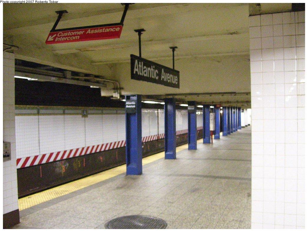 (214k, 1044x788)<br><b>Country:</b> United States<br><b>City:</b> New York<br><b>System:</b> New York City Transit<br><b>Line:</b> BMT Brighton Line<br><b>Location:</b> Atlantic Avenue <br><b>Photo by:</b> Roberto C. Tobar<br><b>Date:</b> 7/21/2007<br><b>Viewed (this week/total):</b> 3 / 2659