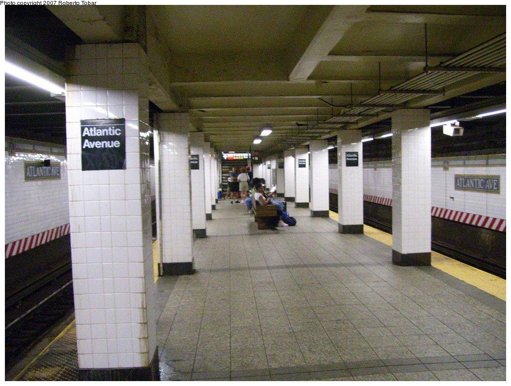 (195k, 1044x788)<br><b>Country:</b> United States<br><b>City:</b> New York<br><b>System:</b> New York City Transit<br><b>Line:</b> BMT Brighton Line<br><b>Location:</b> Atlantic Avenue <br><b>Photo by:</b> Roberto C. Tobar<br><b>Date:</b> 7/21/2007<br><b>Viewed (this week/total):</b> 0 / 2735