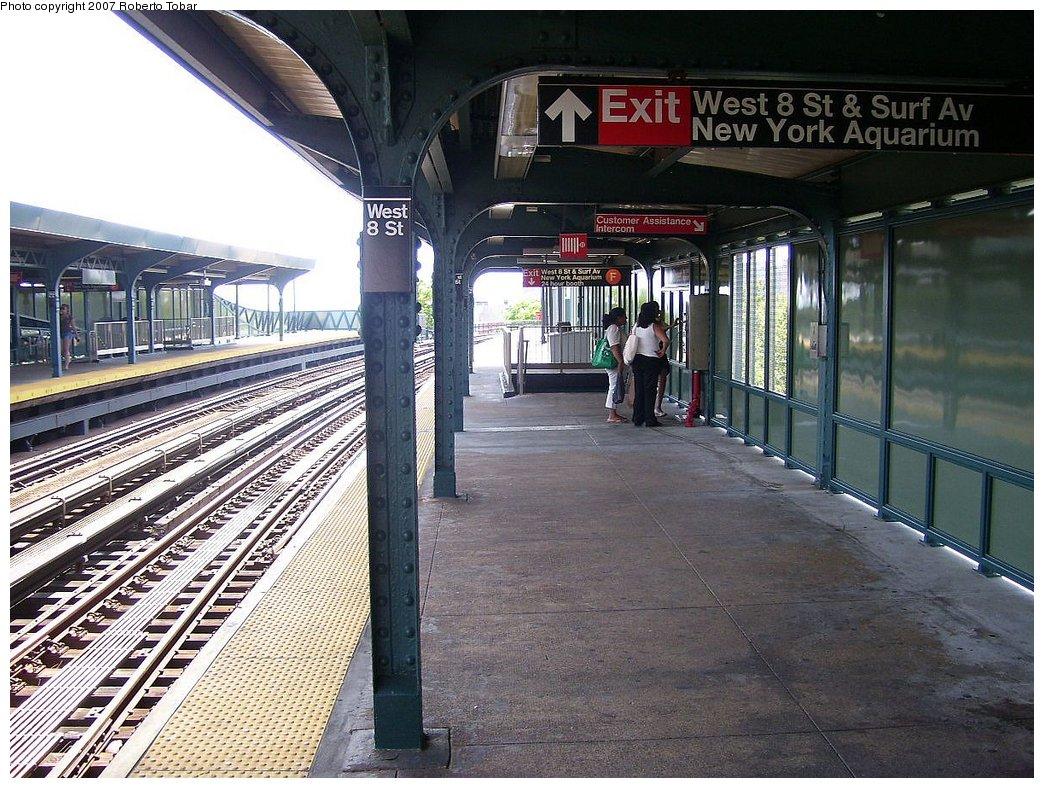 (232k, 1044x788)<br><b>Country:</b> United States<br><b>City:</b> New York<br><b>System:</b> New York City Transit<br><b>Line:</b> BMT Brighton Line<br><b>Location:</b> West 8th Street <br><b>Photo by:</b> Roberto C. Tobar<br><b>Date:</b> 7/21/2007<br><b>Viewed (this week/total):</b> 0 / 1220