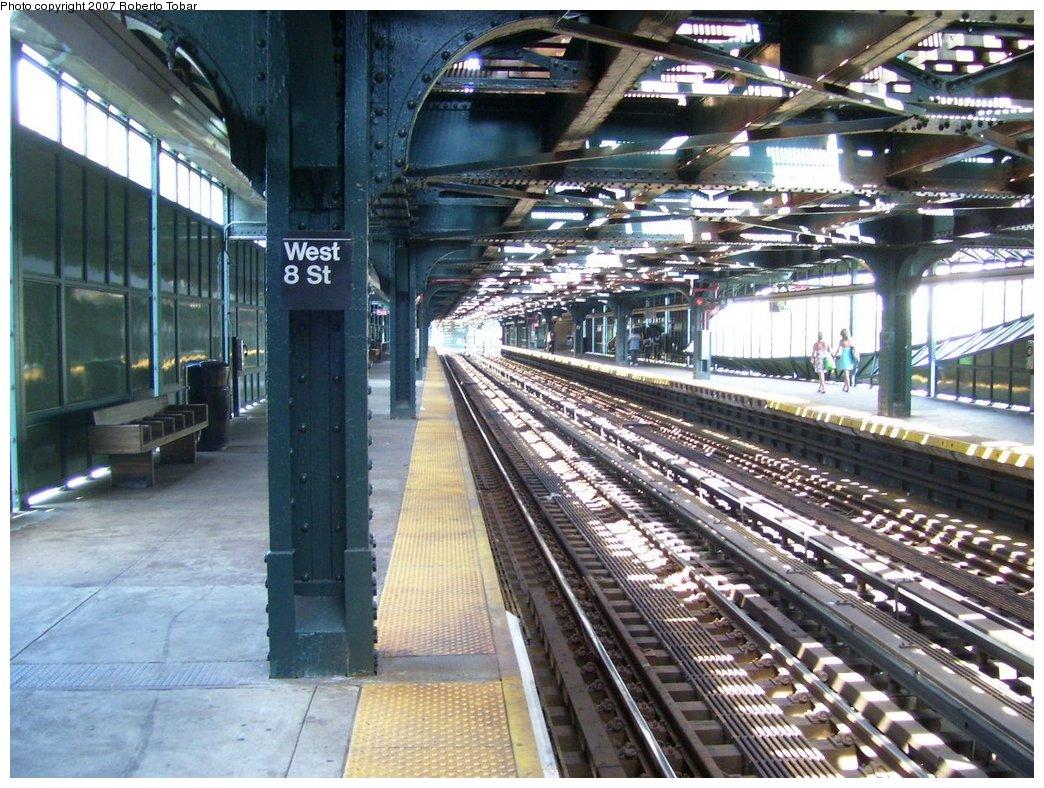 (228k, 1044x788)<br><b>Country:</b> United States<br><b>City:</b> New York<br><b>System:</b> New York City Transit<br><b>Line:</b> BMT Culver Line<br><b>Location:</b> West 8th Street <br><b>Photo by:</b> Roberto C. Tobar<br><b>Date:</b> 7/21/2007<br><b>Viewed (this week/total):</b> 0 / 1324