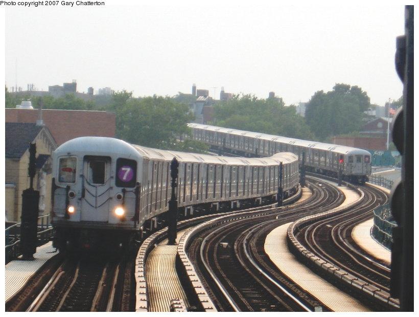 (100k, 820x620)<br><b>Country:</b> United States<br><b>City:</b> New York<br><b>System:</b> New York City Transit<br><b>Line:</b> IRT Flushing Line<br><b>Location:</b> 61st Street/Woodside <br><b>Route:</b> 7<br><b>Car:</b> R-62A (Bombardier, 1984-1987)  2021 <br><b>Photo by:</b> Gary Chatterton<br><b>Date:</b> 7/10/2007<br><b>Viewed (this week/total):</b> 0 / 1845