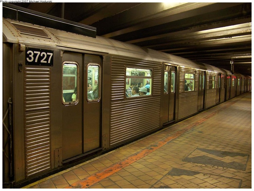(199k, 1044x788)<br><b>Country:</b> United States<br><b>City:</b> New York<br><b>System:</b> New York City Transit<br><b>Line:</b> IND 63rd Street<br><b>Location:</b> 21st Street/Queensbridge <br><b>Route:</b> R<br><b>Car:</b> R-32 (Budd, 1964)  3727 <br><b>Photo by:</b> Michael Hodurski<br><b>Date:</b> 7/22/2007<br><b>Viewed (this week/total):</b> 1 / 3221