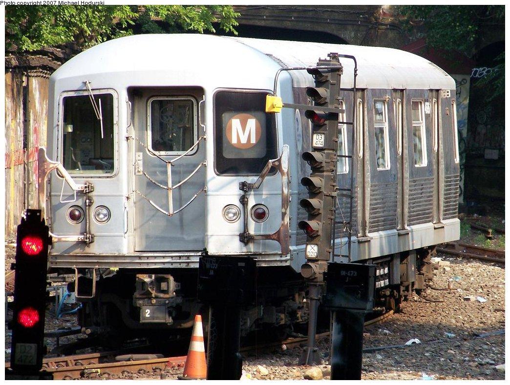 (235k, 1044x788)<br><b>Country:</b> United States<br><b>City:</b> New York<br><b>System:</b> New York City Transit<br><b>Line:</b> BMT West End Line<br><b>Location:</b> Open cut at 4th Ave Bet. 38th & 39th Sts <br><b>Route:</b> M<br><b>Car:</b> R-42 (St. Louis, 1969-1970)  4686 <br><b>Photo by:</b> Michael Hodurski<br><b>Date:</b> 7/17/2007<br><b>Viewed (this week/total):</b> 0 / 1693