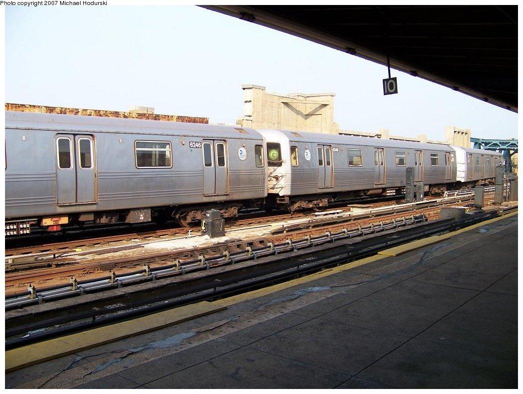 (186k, 1044x788)<br><b>Country:</b> United States<br><b>City:</b> New York<br><b>System:</b> New York City Transit<br><b>Line:</b> IND Crosstown Line<br><b>Location:</b> Smith/9th Street <br><b>Route:</b> G<br><b>Car:</b> R-46 (Pullman-Standard, 1974-75) 6246 <br><b>Photo by:</b> Michael Hodurski<br><b>Date:</b> 6/26/2007<br><b>Viewed (this week/total):</b> 0 / 2563