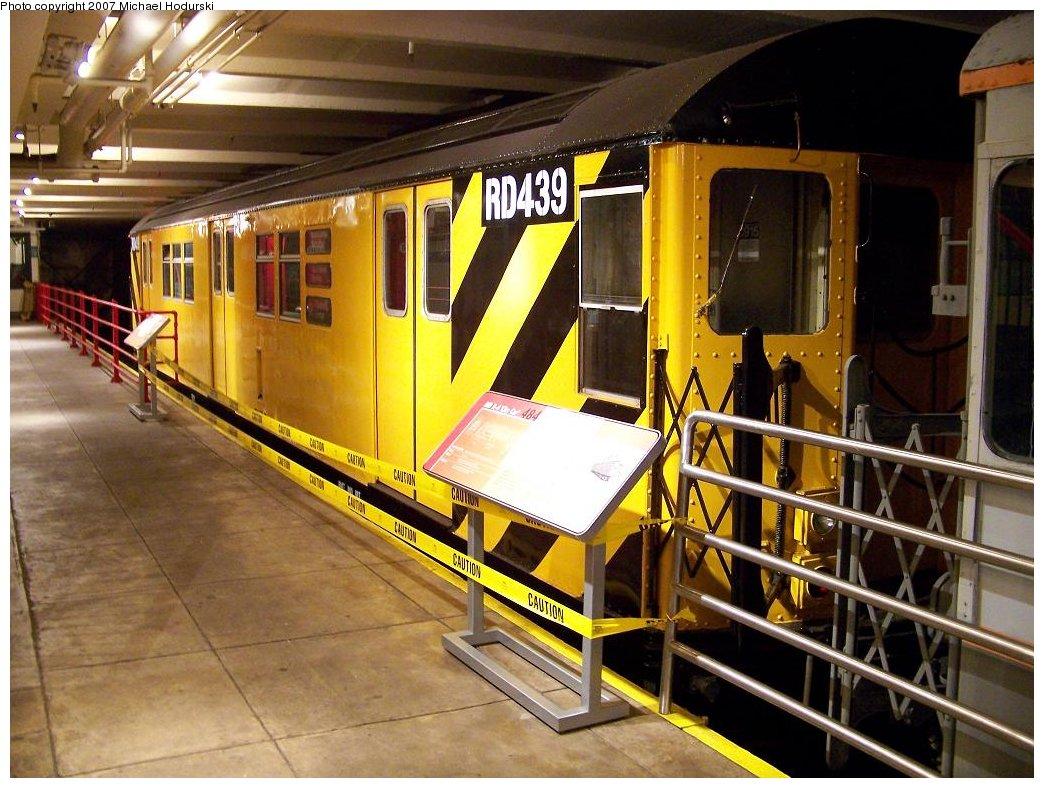 (204k, 1044x788)<br><b>Country:</b> United States<br><b>City:</b> New York<br><b>System:</b> New York City Transit<br><b>Location:</b> New York Transit Museum<br><b>Car:</b> R-161 Rider Car (ex-R-33)  RD439 (ex-8915)<br><b>Photo by:</b> Michael Hodurski<br><b>Date:</b> 7/19/2007<br><b>Viewed (this week/total):</b> 3 / 2377