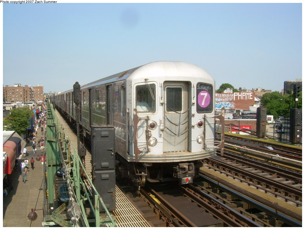 (227k, 1044x788)<br><b>Country:</b> United States<br><b>City:</b> New York<br><b>System:</b> New York City Transit<br><b>Line:</b> IRT Flushing Line<br><b>Location:</b> 90th Street/Elmhurst Avenue <br><b>Route:</b> 7<br><b>Car:</b> R-62A (Bombardier, 1984-1987)  1686 <br><b>Photo by:</b> Zach Summer<br><b>Date:</b> 6/18/2007<br><b>Viewed (this week/total):</b> 0 / 2036