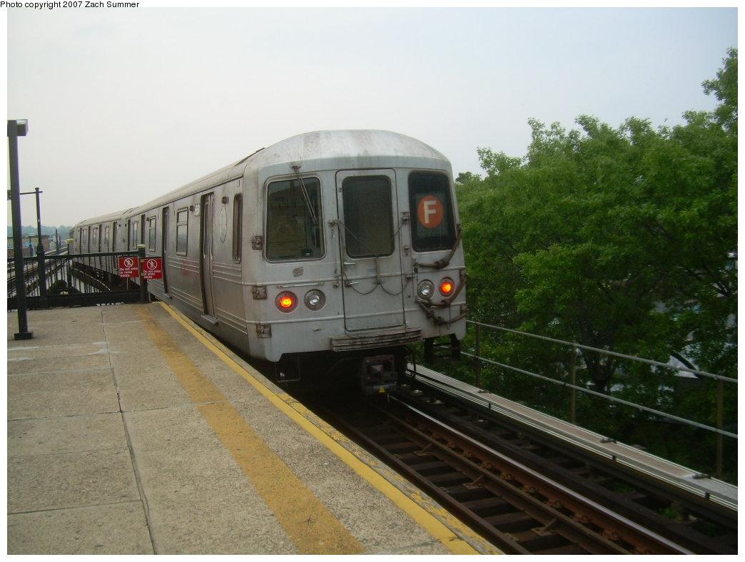 (185k, 1044x788)<br><b>Country:</b> United States<br><b>City:</b> New York<br><b>System:</b> New York City Transit<br><b>Line:</b> BMT Culver Line<br><b>Location:</b> 18th Avenue <br><b>Route:</b> F<br><b>Car:</b> R-46 (Pullman-Standard, 1974-75)  <br><b>Photo by:</b> Zach Summer<br><b>Date:</b> 7/18/2007<br><b>Viewed (this week/total):</b> 2 / 1732