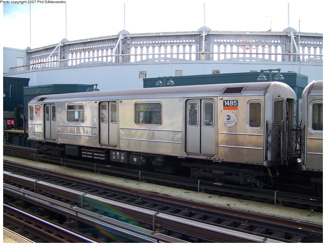 (191k, 1044x788)<br><b>Country:</b> United States<br><b>City:</b> New York<br><b>System:</b> New York City Transit<br><b>Line:</b> IRT Woodlawn Line<br><b>Location:</b> 161st Street/River Avenue (Yankee Stadium) <br><b>Route:</b> 4<br><b>Car:</b> R-62 (Kawasaki, 1983-1985)  1485 <br><b>Photo by:</b> Philip D'Allesandro<br><b>Date:</b> 7/21/2007<br><b>Viewed (this week/total):</b> 2 / 2552