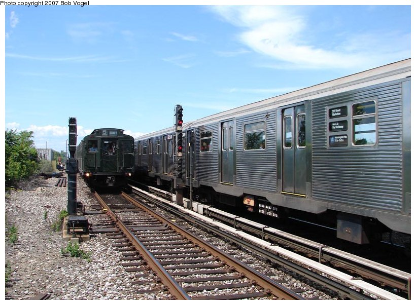 (126k, 820x602)<br><b>Country:</b> United States<br><b>City:</b> New York<br><b>System:</b> New York City Transit<br><b>Line:</b> IND Rockaway<br><b>Location:</b> Broad Channel <br><b>Route:</b> Fan Trip<br><b>Car:</b> R-4 (American Car & Foundry, 1932-1933) 484 <br><b>Photo by:</b> Bob Vogel<br><b>Date:</b> 7/22/2007<br><b>Viewed (this week/total):</b> 4 / 2036