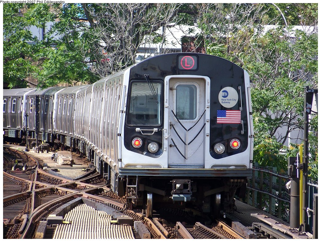 (349k, 1044x788)<br><b>Country:</b> United States<br><b>City:</b> New York<br><b>System:</b> New York City Transit<br><b>Line:</b> BMT Canarsie Line<br><b>Location:</b> Broadway Junction <br><b>Route:</b> L<br><b>Car:</b> R-143 (Kawasaki, 2001-2002)  <br><b>Photo by:</b> Philip D'Allesandro<br><b>Date:</b> 7/20/2007<br><b>Viewed (this week/total):</b> 0 / 2289