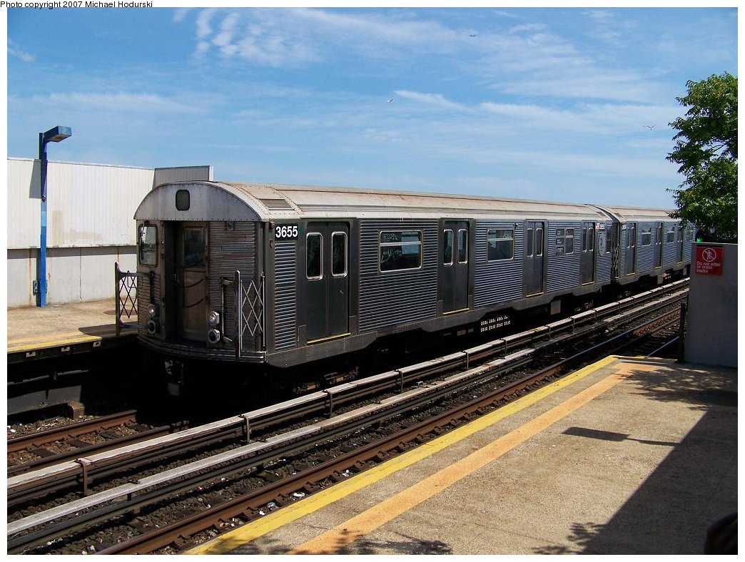 (214k, 1044x788)<br><b>Country:</b> United States<br><b>City:</b> New York<br><b>System:</b> New York City Transit<br><b>Line:</b> IND Rockaway<br><b>Location:</b> Broad Channel <br><b>Route:</b> A<br><b>Car:</b> R-32 (Budd, 1964)  3655 <br><b>Photo by:</b> Michael Hodurski<br><b>Date:</b> 7/22/2007<br><b>Viewed (this week/total):</b> 1 / 2031
