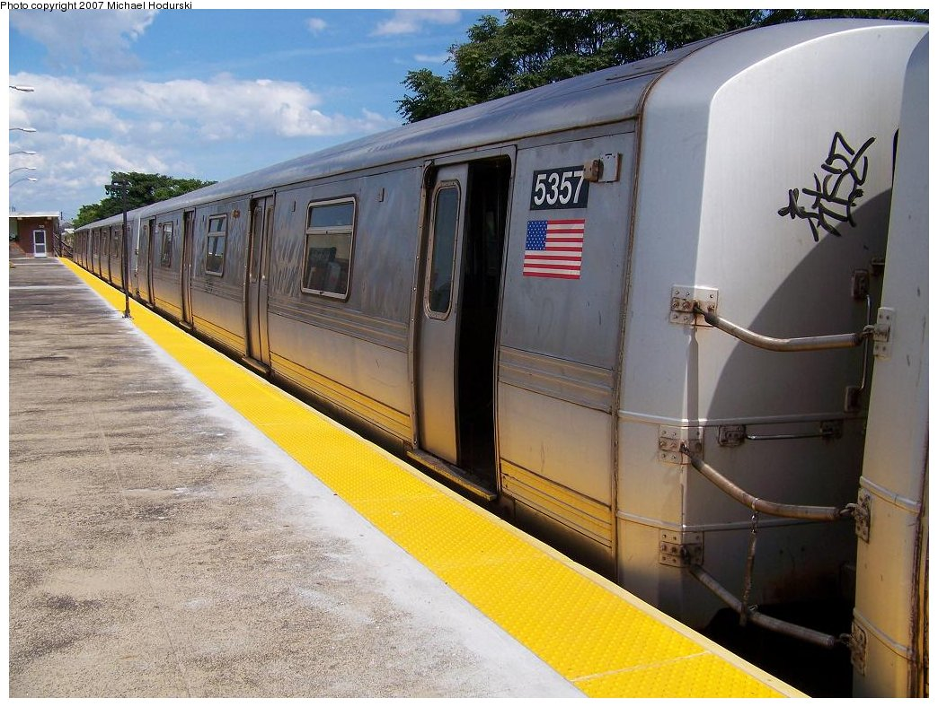 (198k, 1044x788)<br><b>Country:</b> United States<br><b>City:</b> New York<br><b>System:</b> New York City Transit<br><b>Line:</b> IND Rockaway<br><b>Location:</b> Rockaway Park/Beach 116th Street <br><b>Route:</b> A<br><b>Car:</b> R-44 (St. Louis, 1971-73) 5357 <br><b>Photo by:</b> Michael Hodurski<br><b>Date:</b> 7/22/2007<br><b>Viewed (this week/total):</b> 0 / 2116