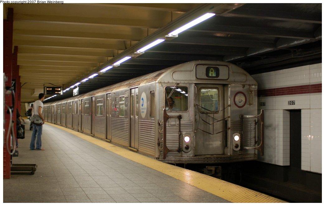 (174k, 1044x664)<br><b>Country:</b> United States<br><b>City:</b> New York<br><b>System:</b> New York City Transit<br><b>Line:</b> IND 8th Avenue Line<br><b>Location:</b> 207th Street <br><b>Route:</b> A<br><b>Car:</b> R-38 (St. Louis, 1966-1967)  4049 <br><b>Photo by:</b> Brian Weinberg<br><b>Date:</b> 7/24/2007<br><b>Viewed (this week/total):</b> 1 / 1925
