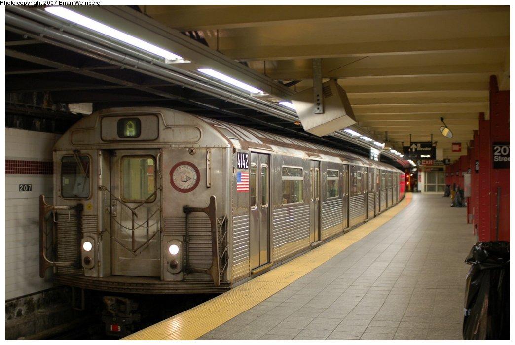 (189k, 1044x700)<br><b>Country:</b> United States<br><b>City:</b> New York<br><b>System:</b> New York City Transit<br><b>Line:</b> IND 8th Avenue Line<br><b>Location:</b> 207th Street <br><b>Route:</b> A<br><b>Car:</b> R-38 (St. Louis, 1966-1967)  4142 <br><b>Photo by:</b> Brian Weinberg<br><b>Date:</b> 7/24/2007<br><b>Viewed (this week/total):</b> 0 / 1649