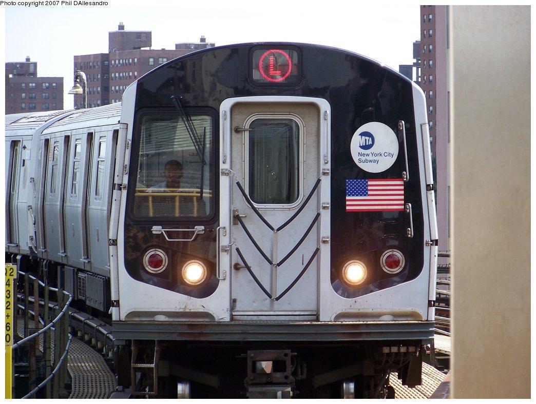 (169k, 1044x788)<br><b>Country:</b> United States<br><b>City:</b> New York<br><b>System:</b> New York City Transit<br><b>Line:</b> BMT Canarsie Line<br><b>Location:</b> Atlantic Avenue <br><b>Route:</b> L<br><b>Car:</b> R-143 (Kawasaki, 2001-2002) 8213 <br><b>Photo by:</b> Philip D'Allesandro<br><b>Date:</b> 7/20/2007<br><b>Viewed (this week/total):</b> 1 / 2936