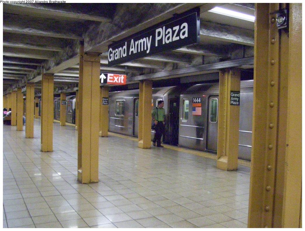 (203k, 1044x791)<br><b>Country:</b> United States<br><b>City:</b> New York<br><b>System:</b> New York City Transit<br><b>Line:</b> IRT Brooklyn Line<br><b>Location:</b> Grand Army Plaza <br><b>Route:</b> 3<br><b>Car:</b> R-62 (Kawasaki, 1983-1985)  1444 <br><b>Photo by:</b> Aliandro Brathwaite<br><b>Date:</b> 7/24/2007<br><b>Viewed (this week/total):</b> 0 / 3933