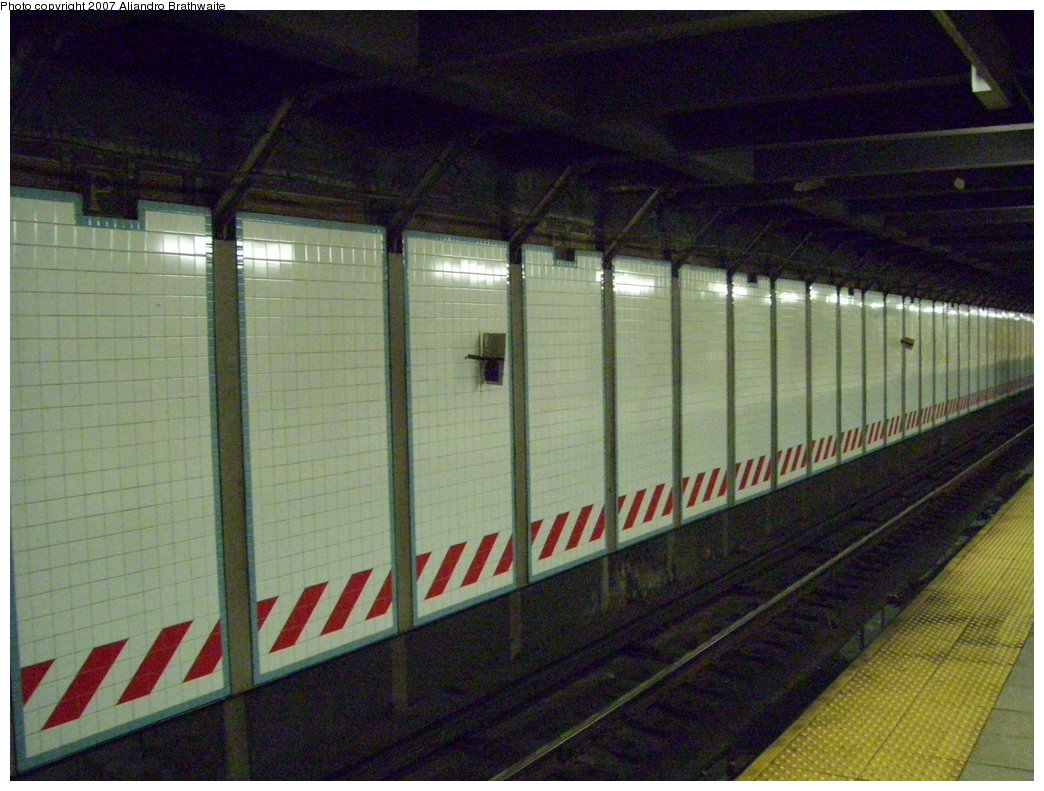 (201k, 1044x791)<br><b>Country:</b> United States<br><b>City:</b> New York<br><b>System:</b> New York City Transit<br><b>Line:</b> IRT Brooklyn Line<br><b>Location:</b> Grand Army Plaza <br><b>Photo by:</b> Aliandro Brathwaite<br><b>Date:</b> 7/24/2007<br><b>Notes:</b> Wall tile.<br><b>Viewed (this week/total):</b> 0 / 2018