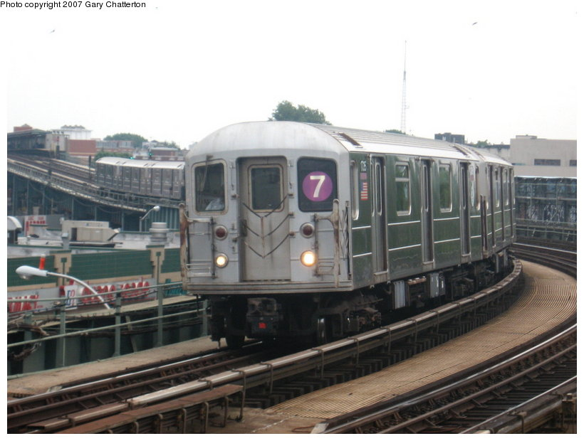(94k, 820x620)<br><b>Country:</b> United States<br><b>City:</b> New York<br><b>System:</b> New York City Transit<br><b>Line:</b> IRT Flushing Line<br><b>Location:</b> 46th Street/Bliss Street <br><b>Route:</b> 7<br><b>Car:</b> R-62A (Bombardier, 1984-1987)  1735 <br><b>Photo by:</b> Gary Chatterton<br><b>Date:</b> 7/5/2007<br><b>Viewed (this week/total):</b> 1 / 1680